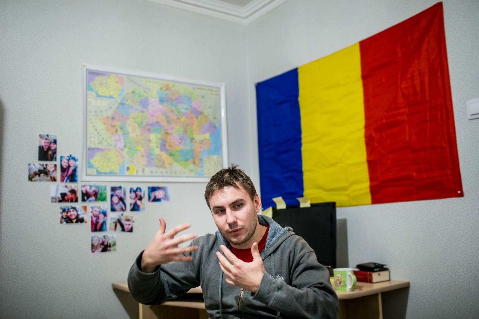Nicholae, członek Młodzieży Mołdawii.